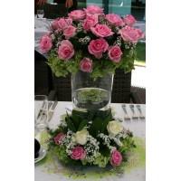 Градинска декорация в зелено и розово