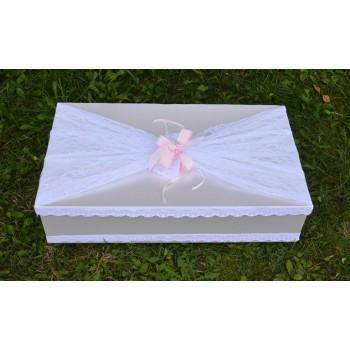 Кутия за кръщене с дантела