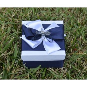 Подарък в кралско синьо с кристалче