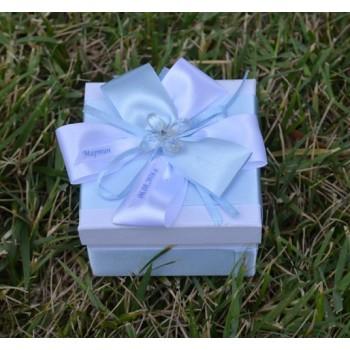 Подарък в светло синьо с кристалче