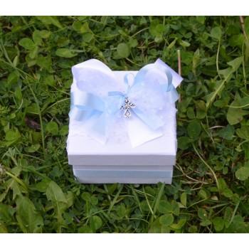 Подарък в светло синьо с кръстче