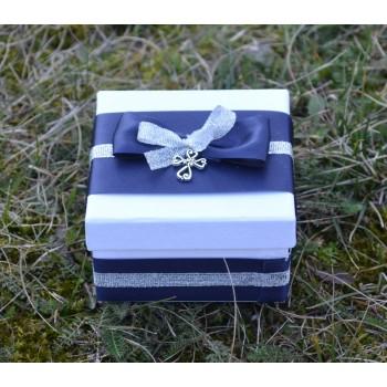 Подарък за момче в тъмно синьо