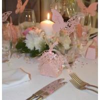 Декорация на ресторант с цветя и пеперуди