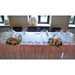 Украса на ресторант за кръщене с рози