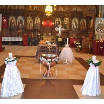 Украса на църква в светло розово