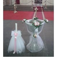 Купел и свещ в църква